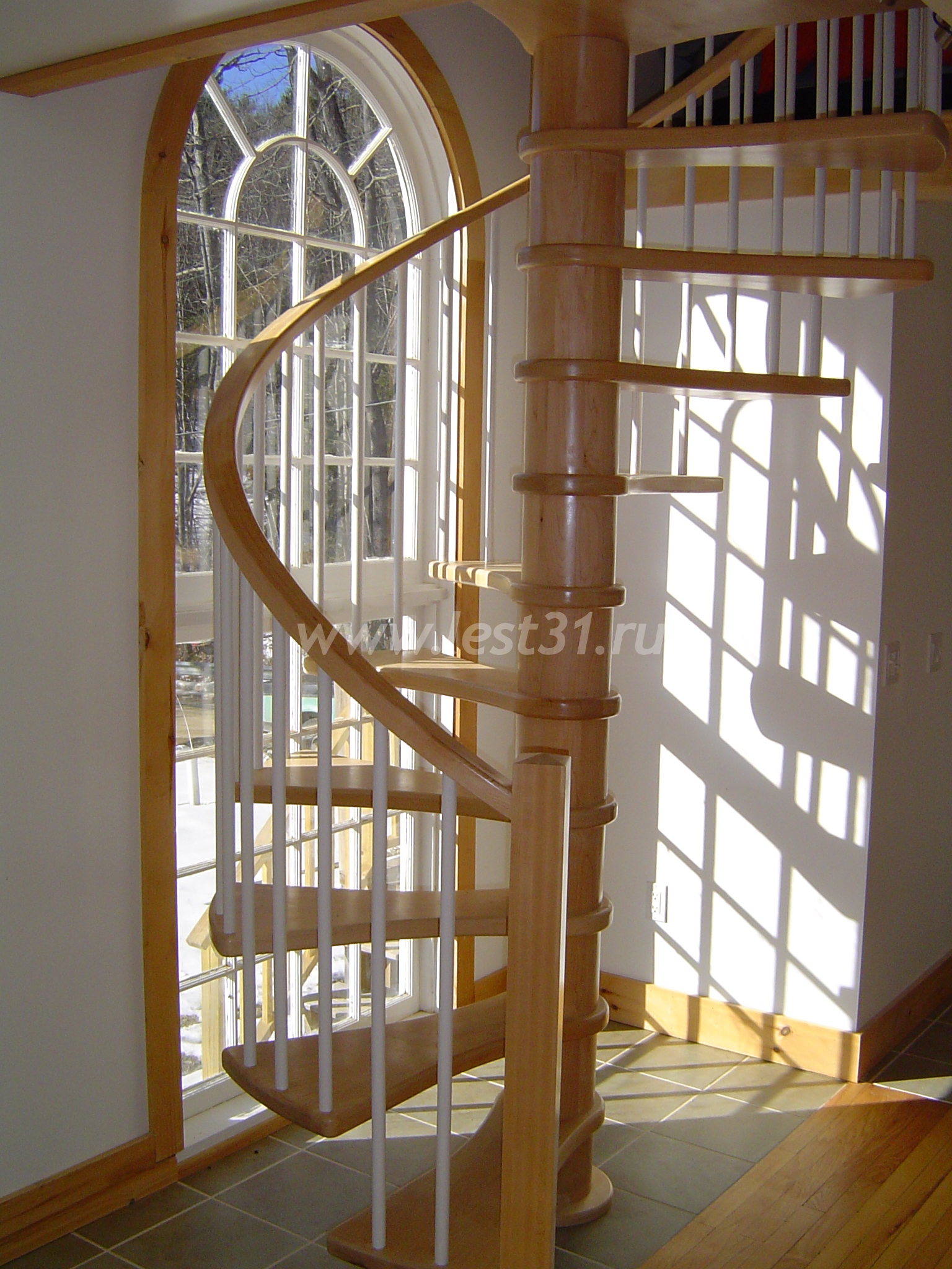 Винтовая лестница на мансарду своими руками фото